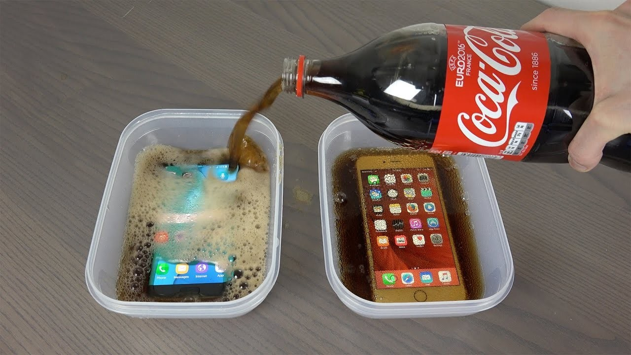 IPhone vs Samsung Coca Cola Freeze Test